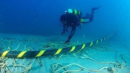 underwater-fiber-optic